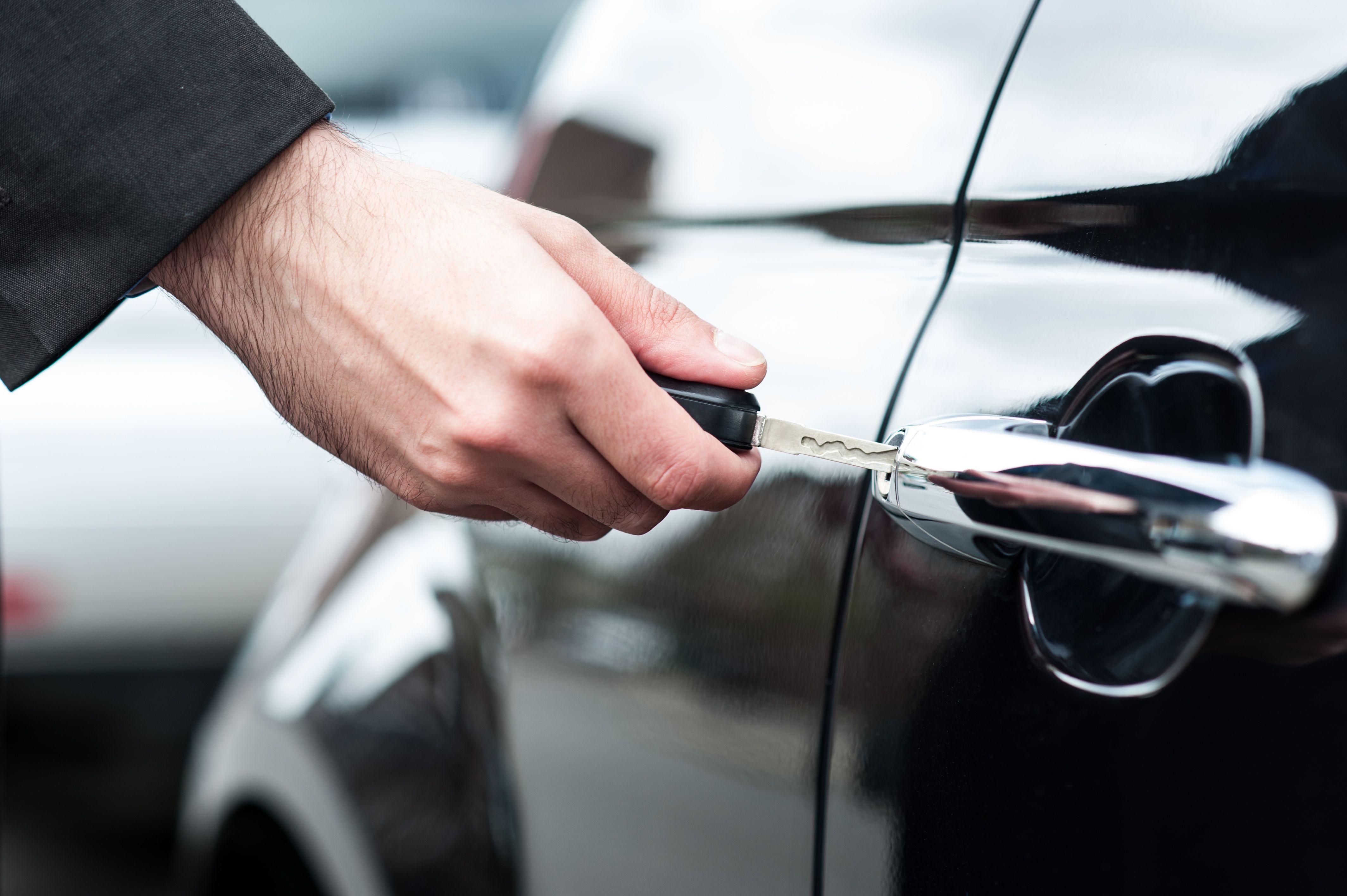 Как защитить автомобиль от угона, грабежа