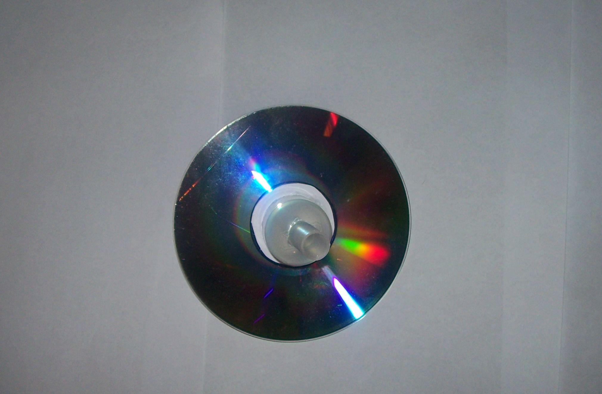Как сделать волчок из компакт-диска за 15 минут своими руками?