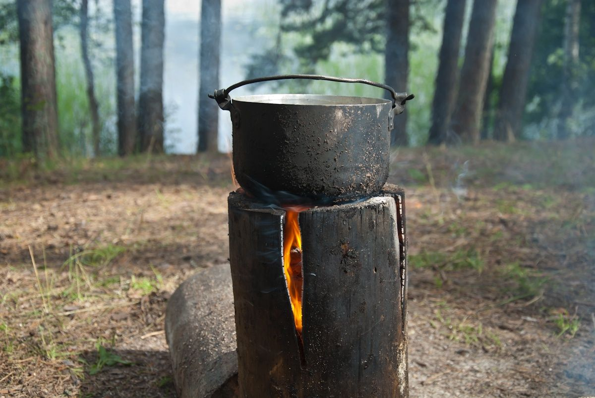 Индейская свеча или деревянный примус - свеча. Костер в рюкзаке. Как приготовить пищу в походе.