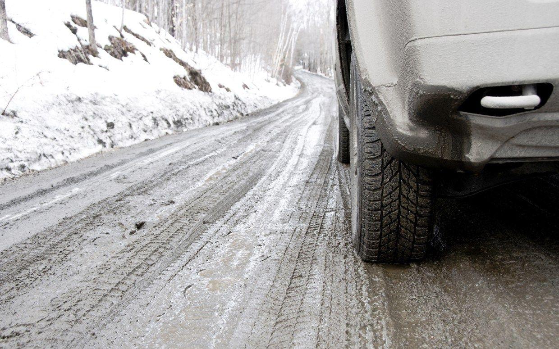 Вождение автомобиля на зимней дороге. Экстремальное вождение. Заносы. Полезные советы.