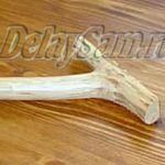 Самодельная вешалка в стиле кантри из обычной ветки дерева. Вешалка для одежды и инструмента