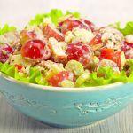 Вальдорфский салат — неповторимый и знаменитый, для гостей и для себя. Рецепт от Всегда Вкусно!