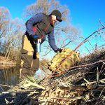 Весенняя рыбалка в Подмосковье на реке Десна, походу  рыба как и мы, на самоизоляции.
